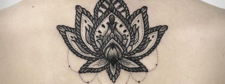 Художественная татуировка «Лотос». Мастер — Инесса Кефир