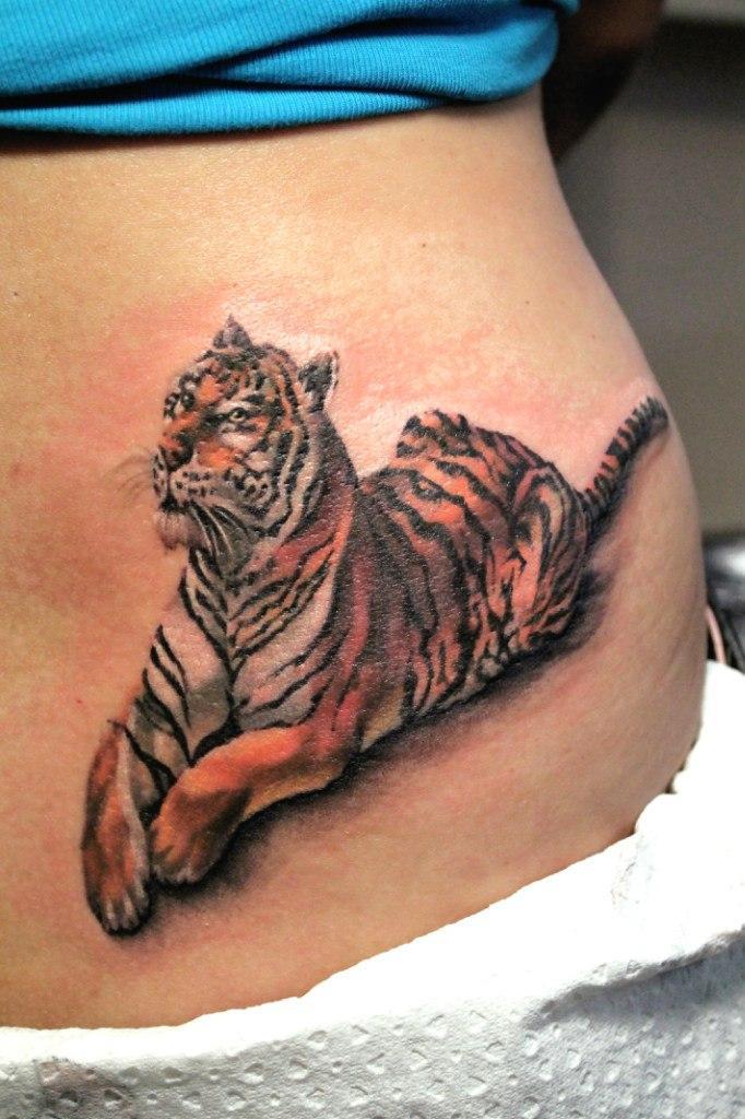 Шрам на теле и татуировка: как замаскировать рубец красиво?