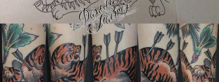 Художественная татуировка «Тигр со стрелами» от Данилы-Мастера