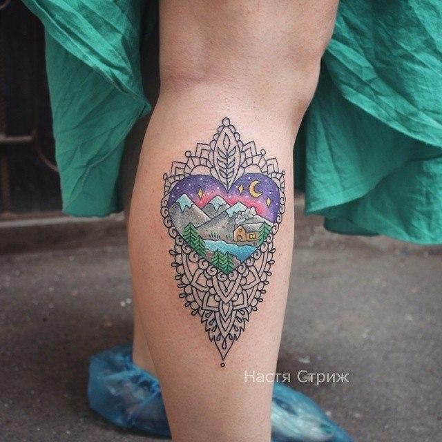 Художественная татуировка «Узор и горы». Мастер Настя Стриж.