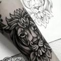 Художественная татуировка «Лев». Мастер — Анна Корь. Расположение — предплечье. Время работы — 2 часа. По своему эскизу.
