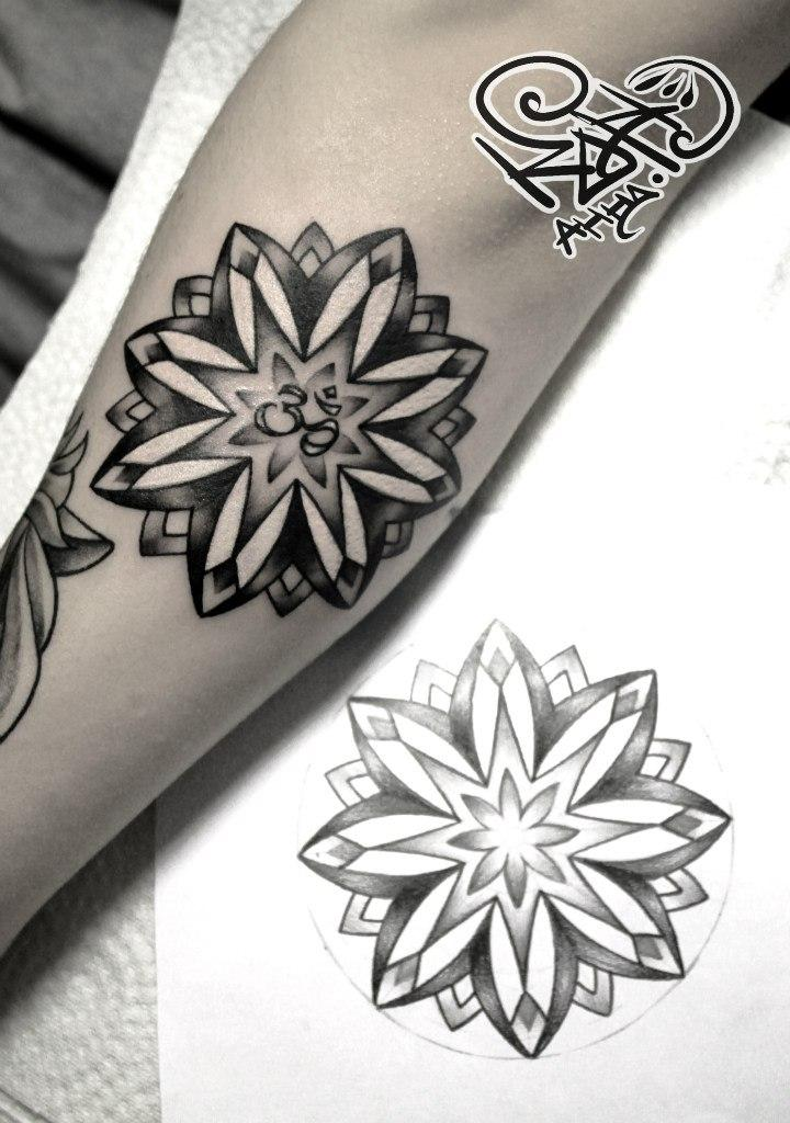 Художественная татуировка «Мандала». Мастер — Анна Корь