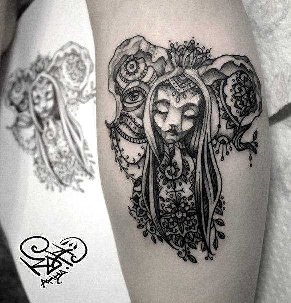 Художественная татуировка «Девушка». Мастер — Анна Корь.