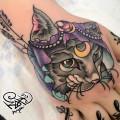Художественная татуировка «Кошка». Мастер — Анна Корь. Расположение — кисть. Время работы —1,5 часа. По идее клиента.