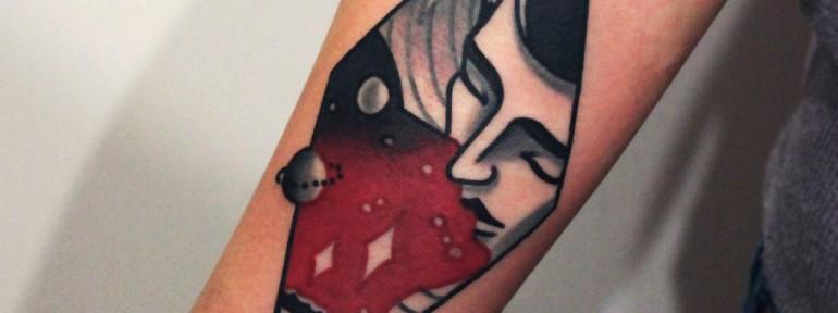 Художественная татуировка «Поцелуй». Мастер — Денис Марахин