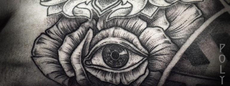 Художественная татуировка «Цветок с глазом» от Юрия Полякова