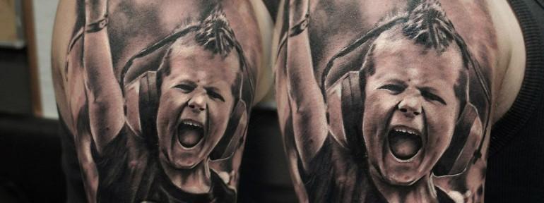 Художественная татуировка «Рок» от Александра Морозова