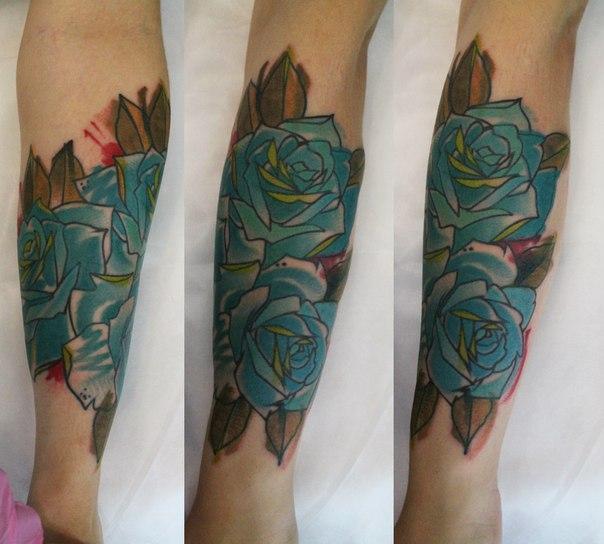 Художественная татуировка «Розы». Мастер — Саша Новик.