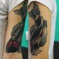 Художественная татуировка «Рыба». Мастер — Саша Новик. Расположение — плечо. Перекрытие старой татуировки. Время работы — 4 часа. По своему эскизу