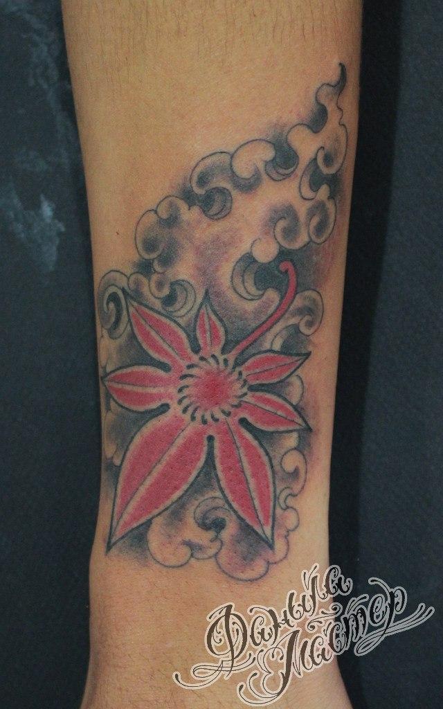 Художественная татуировка «Листик» от Данилы-Мастера