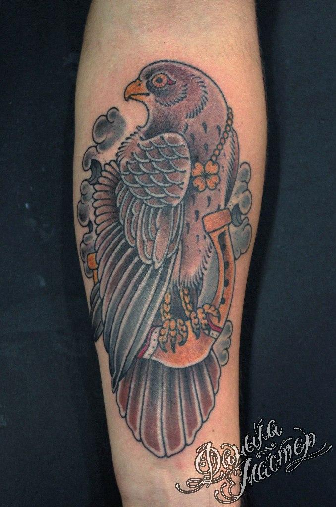 Художественная татуировка «Сокол» от Данилы-Мастера