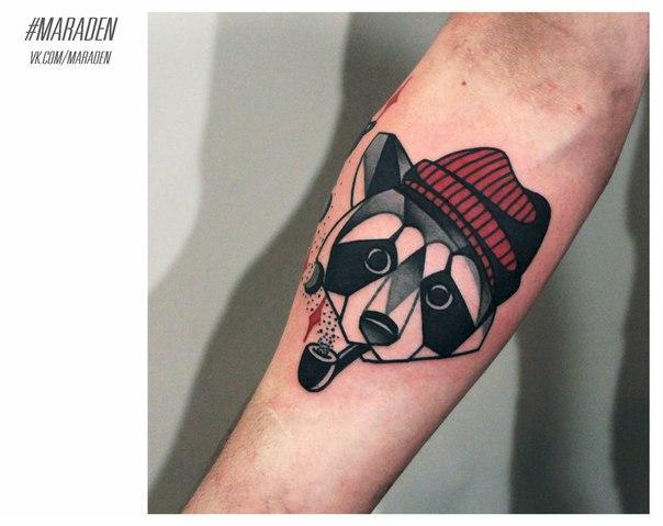 Художественная татуировка «Енот». Мастер — Денис Марахин.