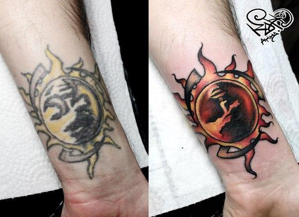 Художественная татуировка «Солнце». Мастер — Анна Корь.