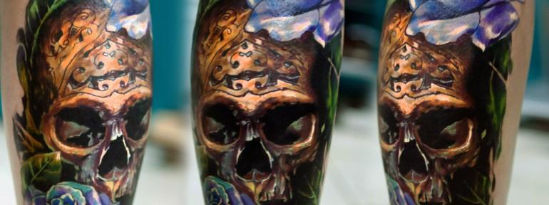 Художественная татуировка «Череп». Мастер Ян Енот.