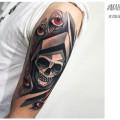 Художественная татуировка «Череп в капюшоне». Мастер — Денис Марахин. Расположение — плечо. Время работы — 4 часа. По своему эскизу