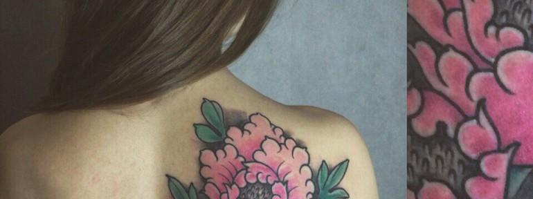 Художественная татуировка «Пионы» от Берёзы