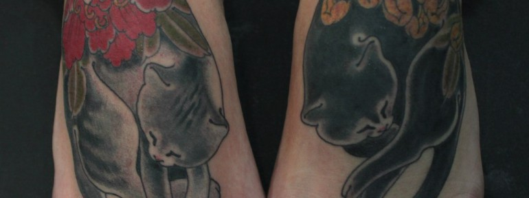 Художественная татуировка по мотивам «Monmon Cats» от Данилы-Мастера.