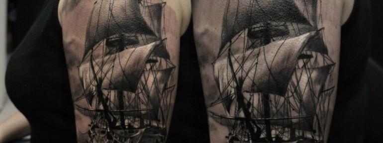 Художественная татуировка «Парусник» от Александра Морозова