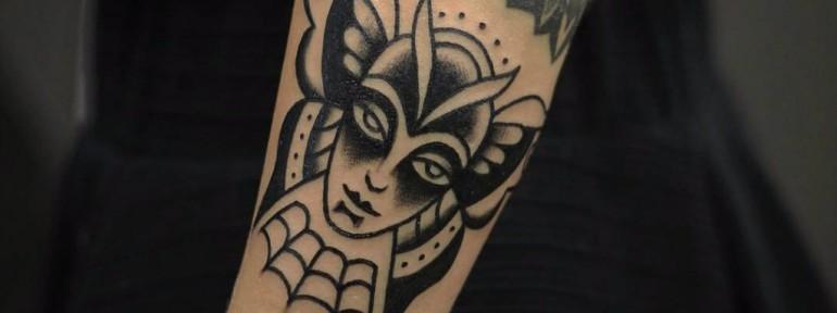 Художественная татуировка «Барышня бабочка» от Александра Бахаревича