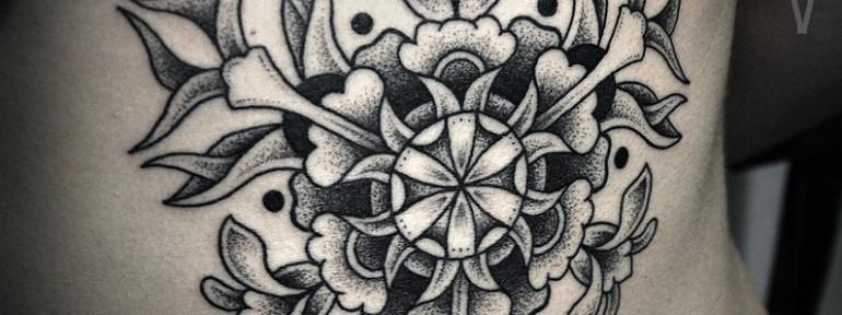 Художественная татуировка «Узор» от Юрия Полякова