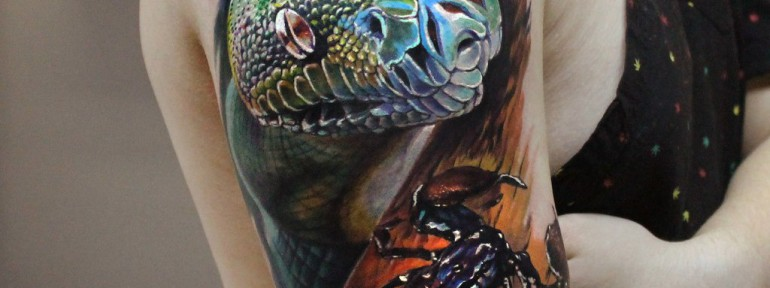 Художественная татуировка «Змея и скорпион». Мастер Ян Енот.