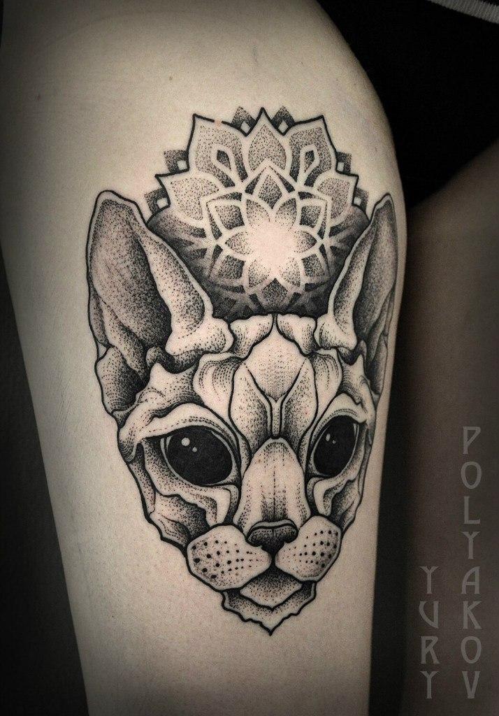 Художественная татуировка «Инопланетный кот» от Юрия Полякова