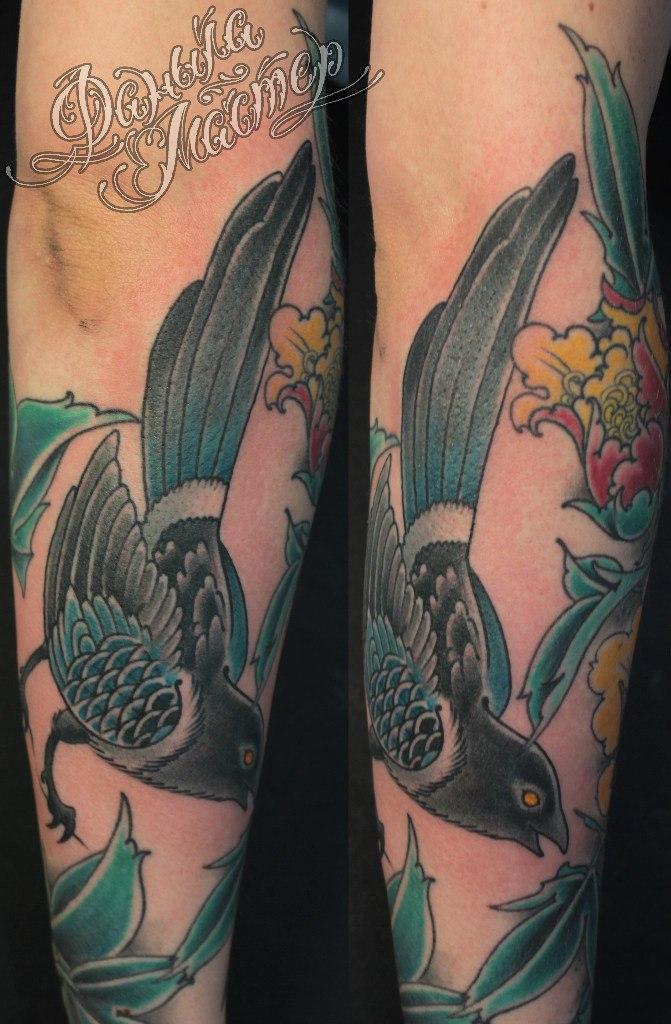 Художественная татуировка «Сорока» от Данилы-Мастера