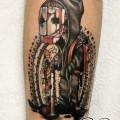 Художественная татуировка «Персонаж в маске». Мастер — Анна Корь.      Расположение — предплечье. Время — 2 часа. По своему эскизу