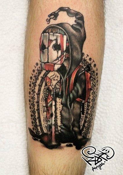 Художественная татуировка «Персонаж в маске». Мастер — Анна Корь