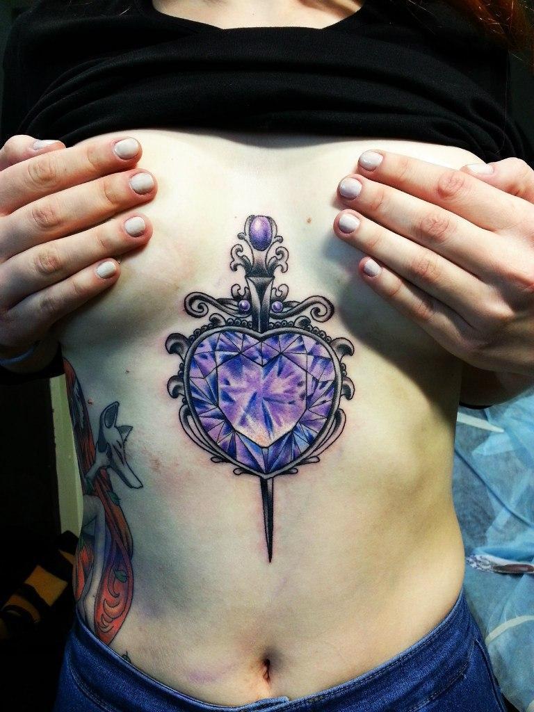 Художественная татуировка «Сердце с кинжалом» от Евгения Ершова