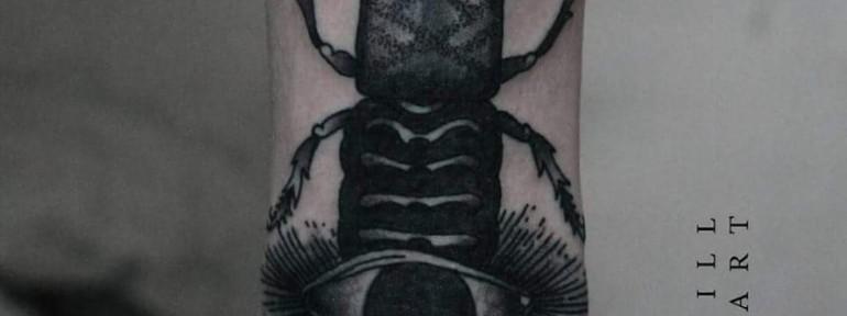 Художественная татуировка «Жук». Мастер Кирилл Сварт.