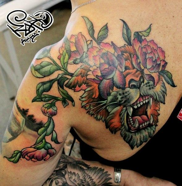 Перекрытие некачественной татуировки. Мастер — Анна Корь