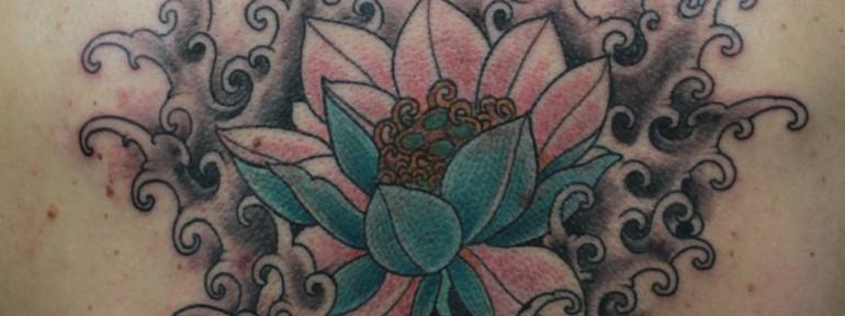 Художественная татуировка «Лотос» от Данилы-Мастера