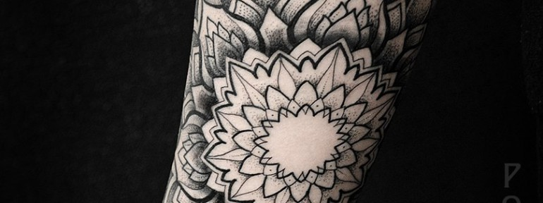Художественная татуировка «Мандала» от Юрия Полякова