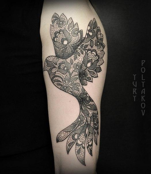Художественная татуировка «Птица» от Юрия Полякова.