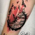 Художественная татуировка «Часы». Мастер — Анна Корь. Расположение — предплечье. Время работы — 2,5 часа. По идее клиента