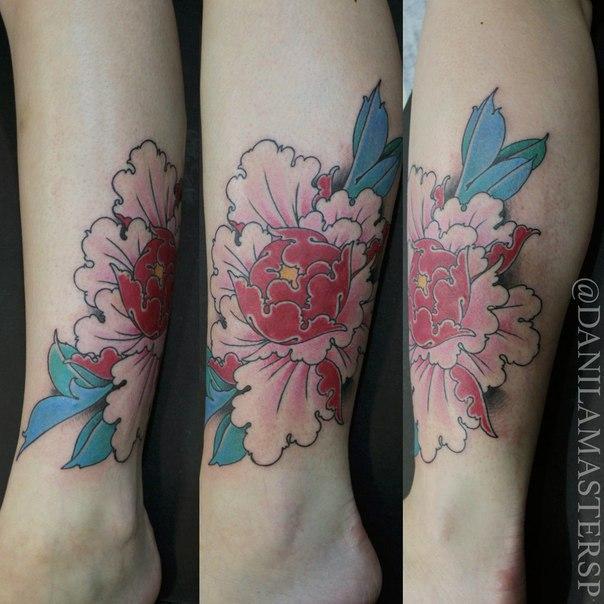 Художественная татуировка «Пион» от Данилы-Мастера