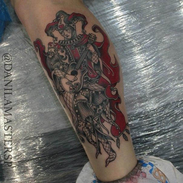 Художественная татуировка «Шут» от Данилы-Мастера.