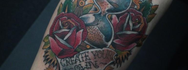 Художественная татуировка «Песочные часы» от Данилы-Мастера