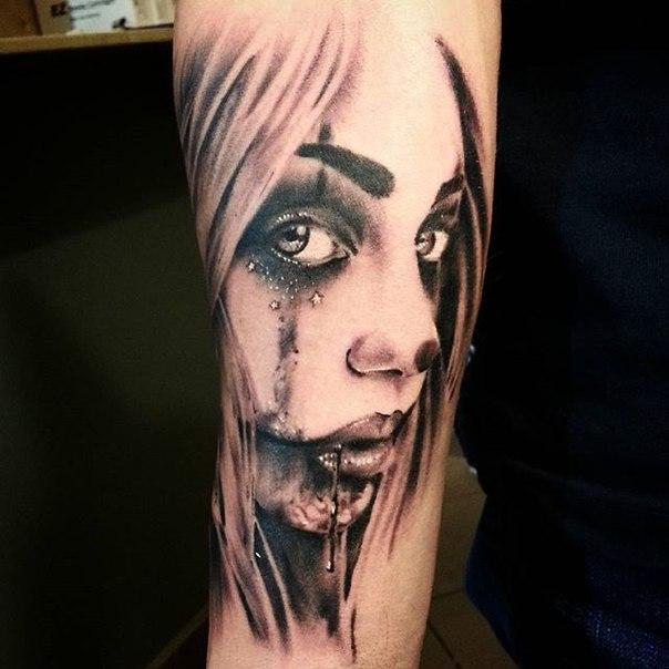 Художественная татуировка «Девушка» от Евгения Ершова