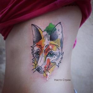 Художественная татуировка «Лиса». Мастер Настя Стриж. Расположение бок
