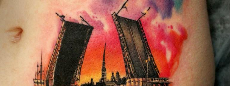 Художественная татуировка «Разводной мост». Мастер — Анна Корь