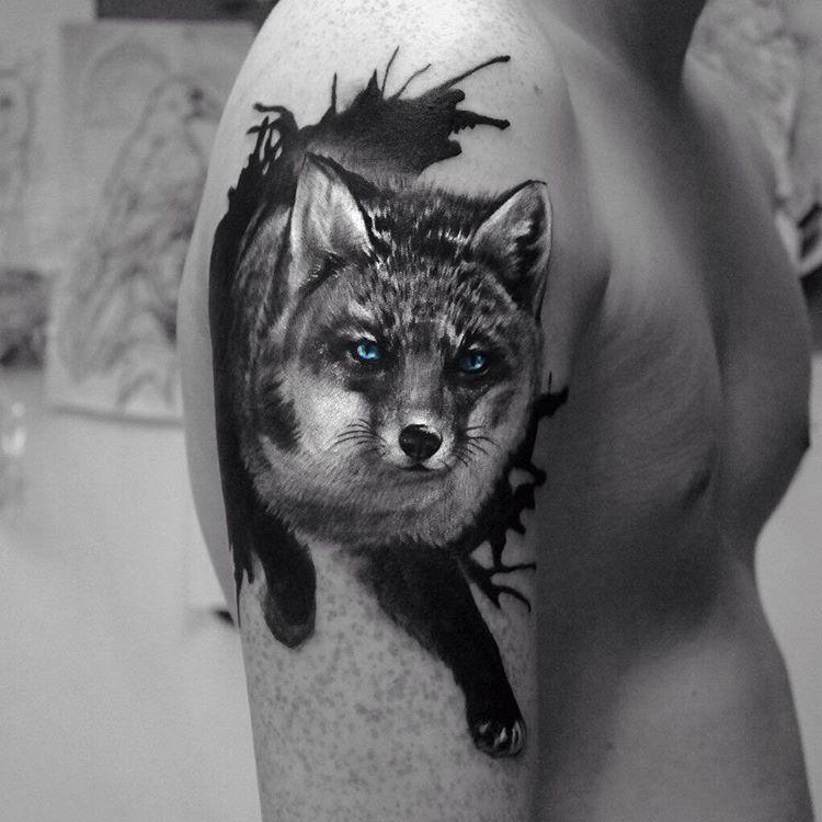 Художественная татуировка «Лиса». Мастер Ян Енот.