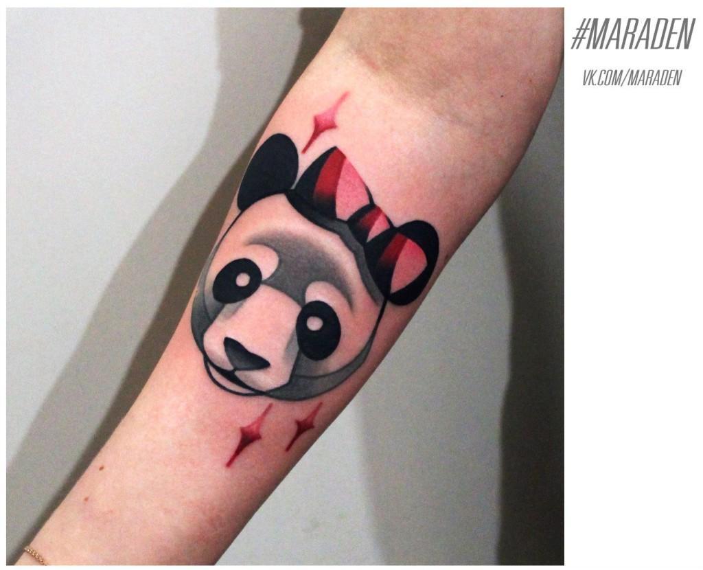 Художественная татуировка «Панда». Мастер — Денис Марахин. Расположение — предплечье. По собственному эскизу.