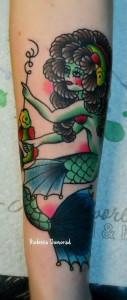 Предплечье, перекрытие старой некачественной татуировки. Мастер Виолетта Доморад
