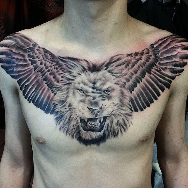 Художественная татуировка «Лев с крыльями» от Евгения Ершова
