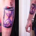 Художественная татуировка «Песочные часы». Мастер Саша Unisex. Расположение: предплечье. По собственному эскизу. Время работы: 2 часа
