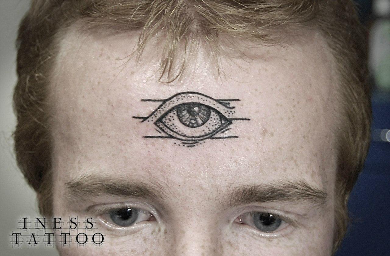 Художественная татуировка «Глаз»