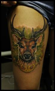 Художественная татуировка «Олень» от Сергея Хоррора