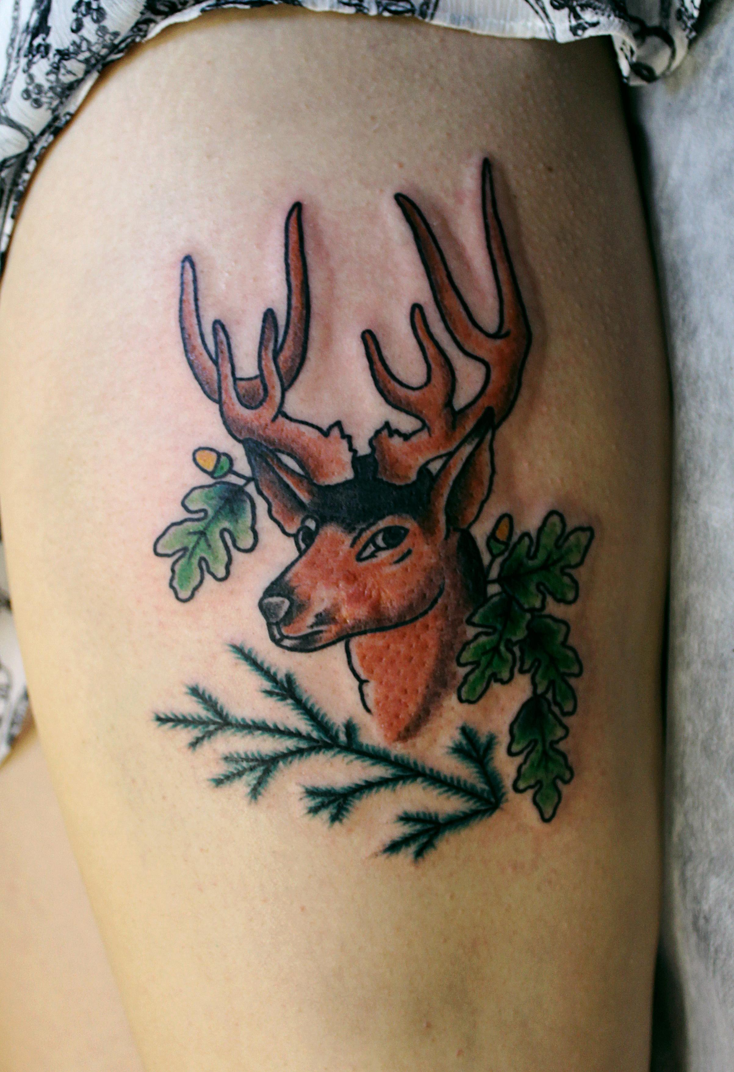 Художественная татуировка «Олень» выполнена мастером Евгением Химиком